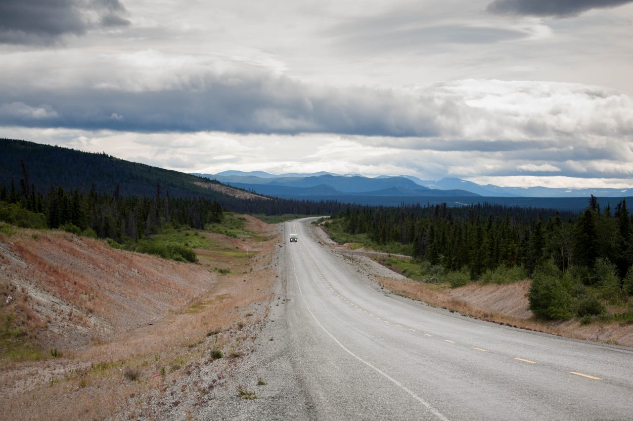 A stunning road view of the Alaska Hwy.