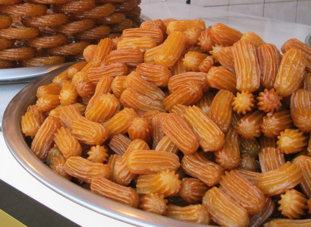 Тулумба. болгарская еда Традиционный болгарский путеводитель и 5 блюд, которые нельзя оставить без внимания! Tulumba 1024x746