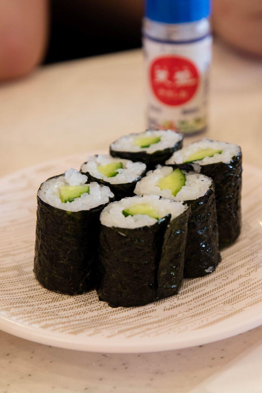 Six cucumber maki rolls