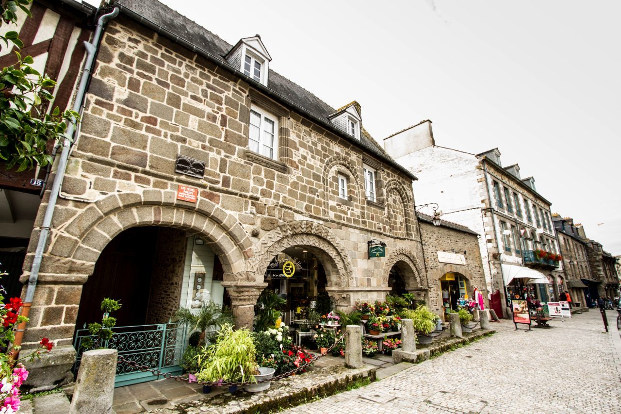 10 Charming Villages in France