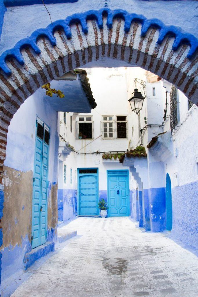 Visiting Chefchaouen, all you see is blue. A typical Moroccan arch, but painted blue.