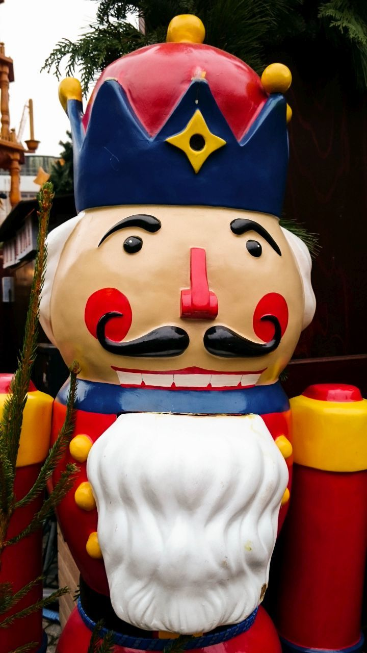 Nutcrackers welcome you to the many Bavarian Christmas markets this season. Click here for a one week driving itinerary!
