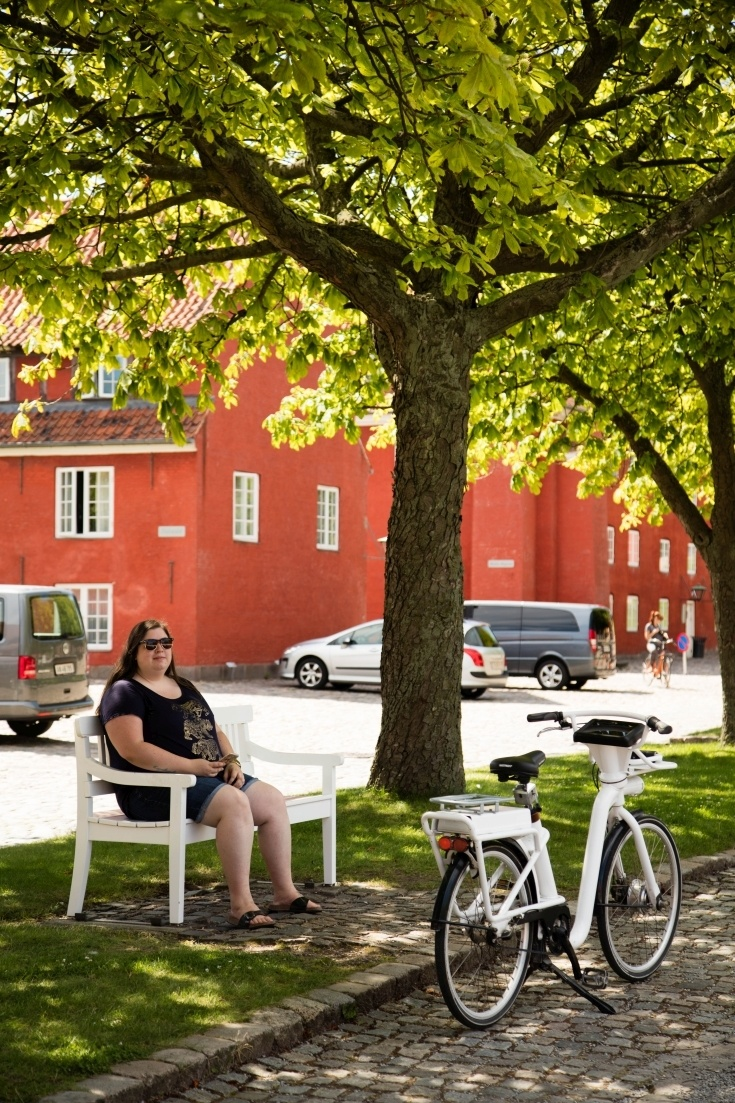 Resting under the shade of a tree in Kastellet, maybe it's not a must do, but it's a should do!