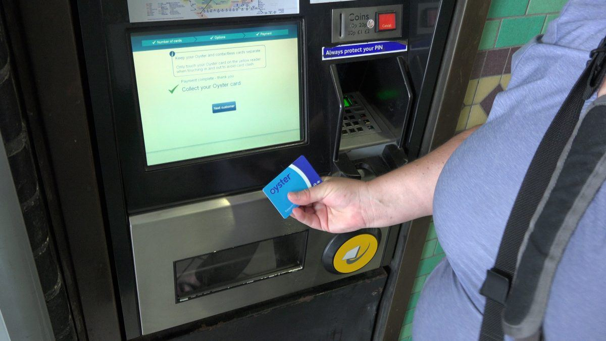How to buy and use an oyster card, London