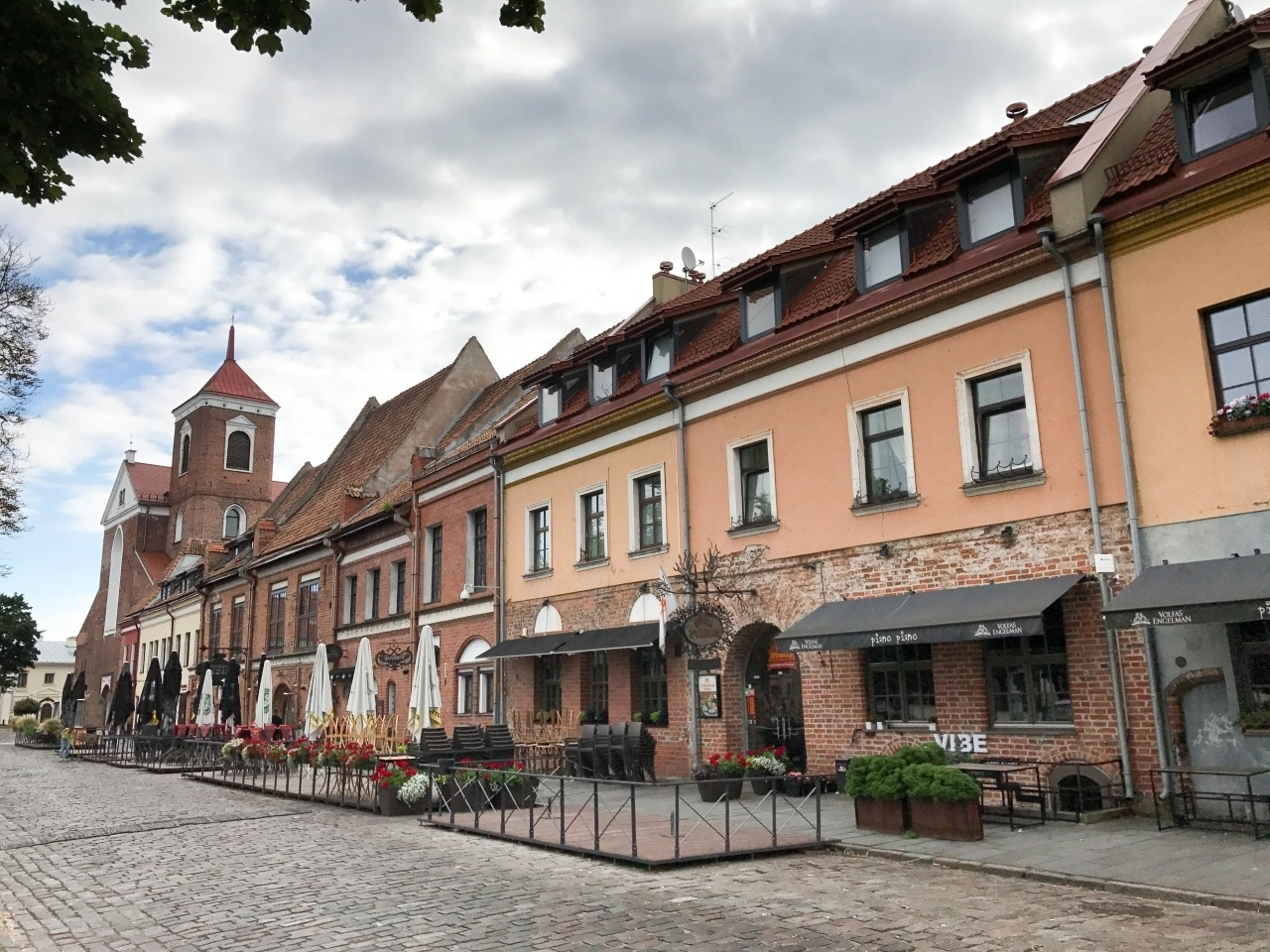 What to do in Kaunas? Search out one of the many streetside cafes!