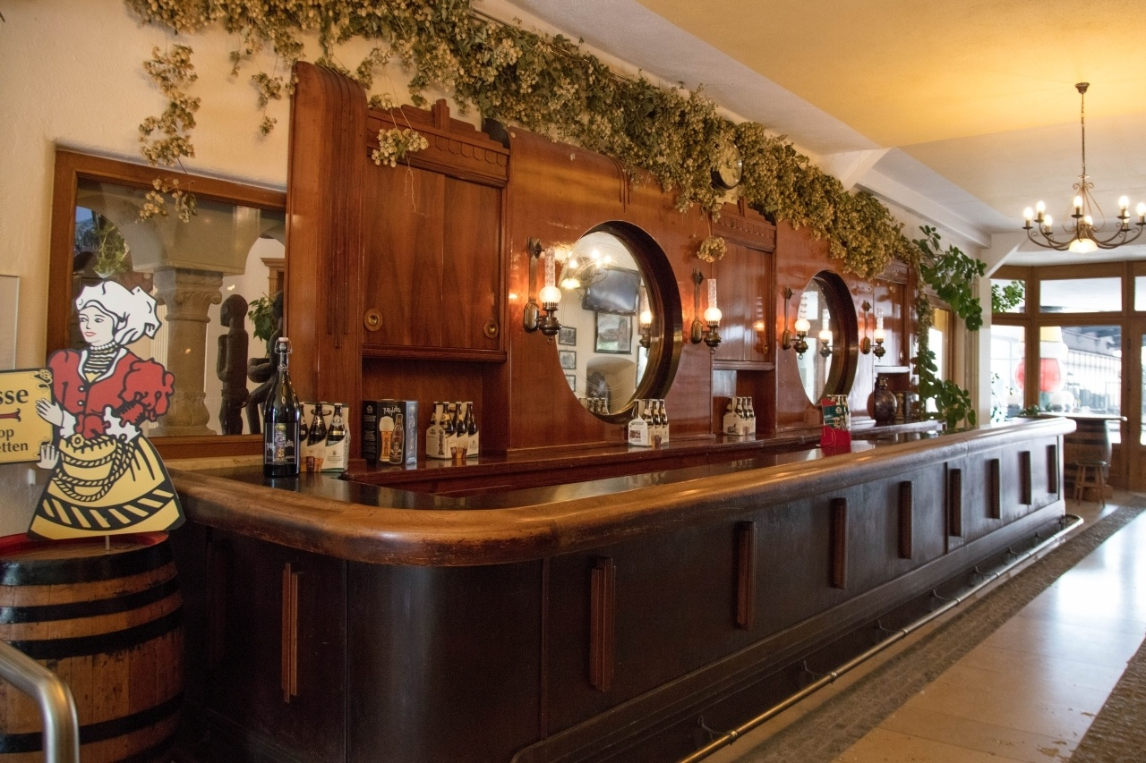 An old fashioned bar