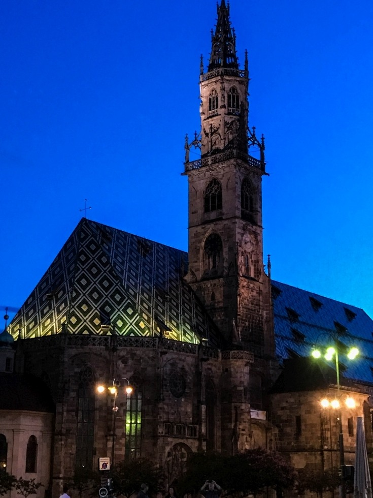 Bolzano sightseeing Top Ten - The Cathedral at night