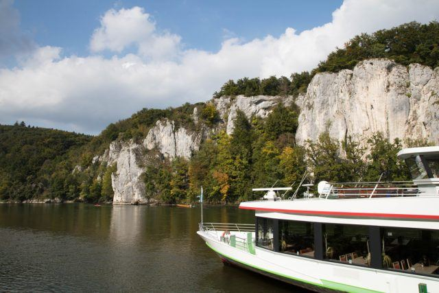 Limestone Cliffs of the Danube River are the number one things to do on your way to Kloster Weltenburg