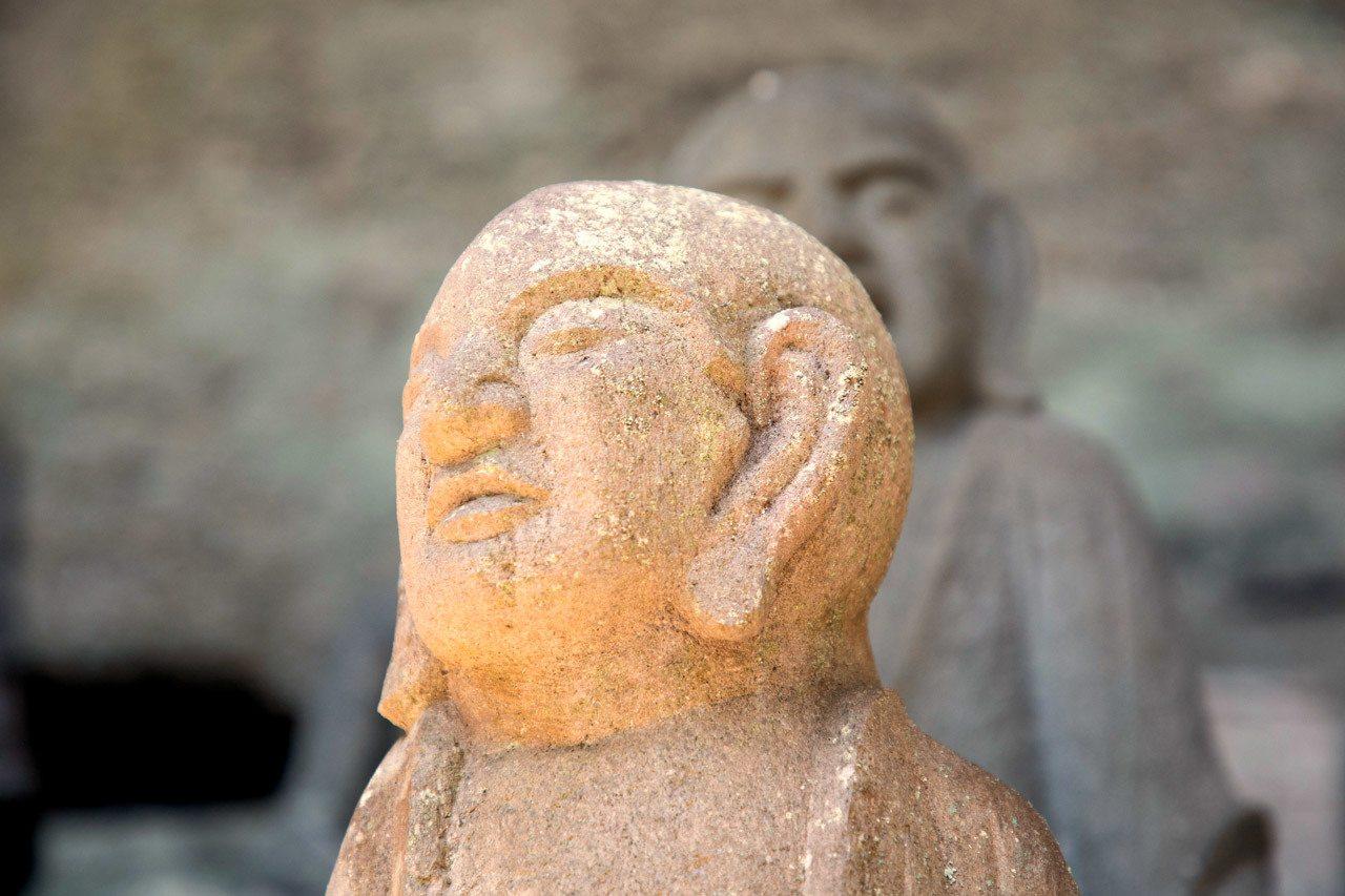 Nokogiriyama Rakan have individual poses and facial features