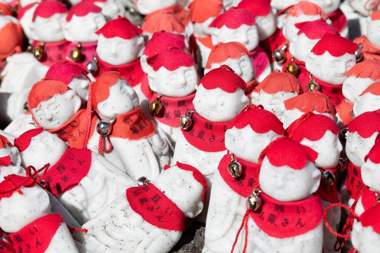 Thousands of mini Jizo statues