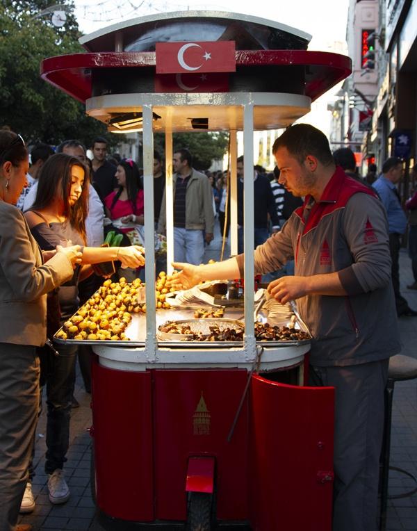 Taksim Chestnut Seller